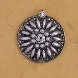 Picture of White Base Metal Pendant 43mm